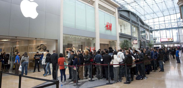 queues-apple store